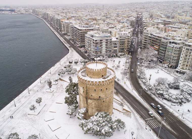 Snow will continue to fall all across Greece 12