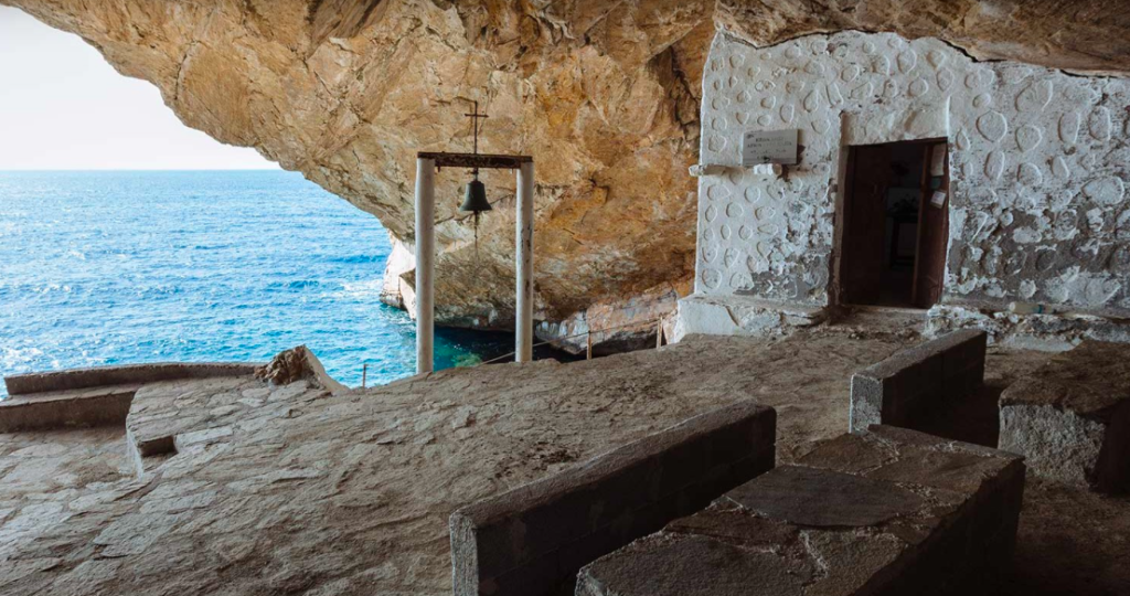 Agios Stefanos in Syros named one of the most impressive chapels in the world 7