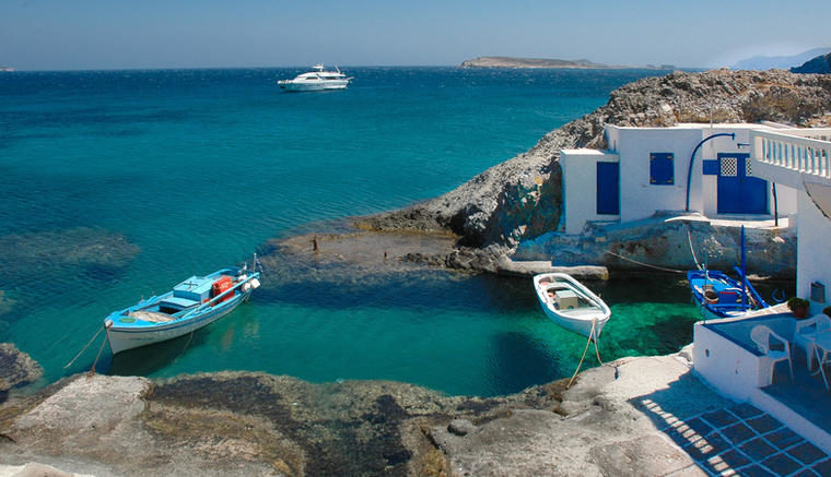 The Chamber of Cyclades website in 2018 attracted 675,000 visitors from 185 countries 3