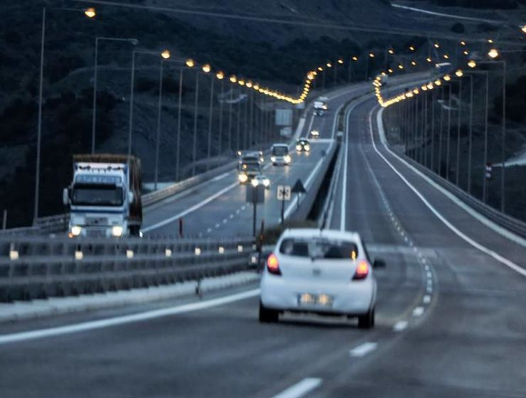 Over 400 people seriously injured on Greek roads over holidays 3