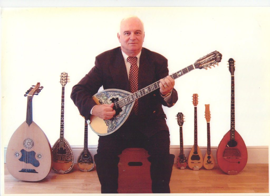 Greece's much-loved Bouzouki player passes away aged 72 3