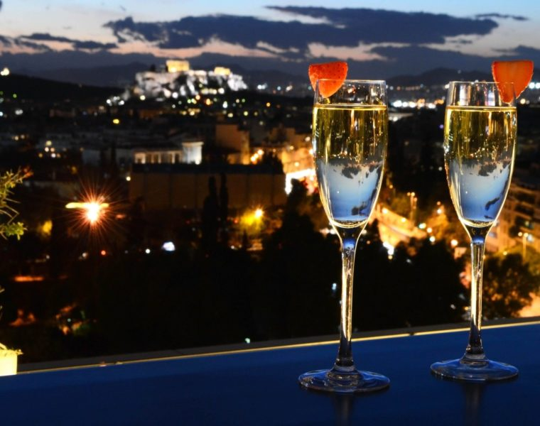 Survey reveals average Valentine's Day evening in Athens costs 70 euros 3