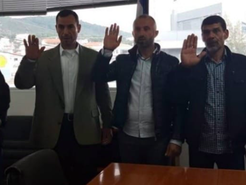 Three migrant fishermen who saved lives in Attica's wildfires sworn in as Greek citizens 1