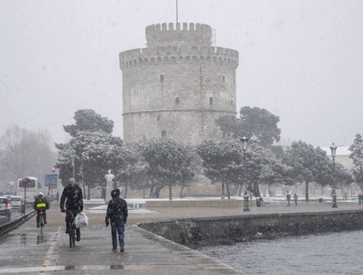 Snow and gale force winds sweep across Greece 13