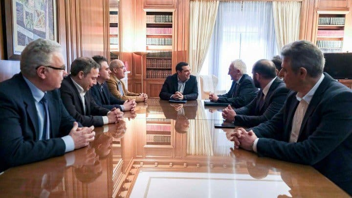 Tsipras receives final report from Independent Committee for Wildfires Management 2