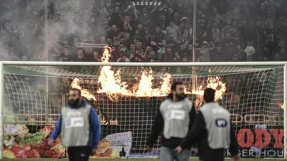 Athens Derby Abandoned after fans and police clash 1