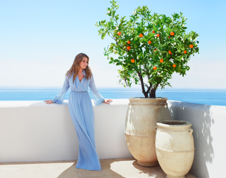 Granddaughter of  Estée Lauder launches new perfume inspired by the Aegean Sea 16