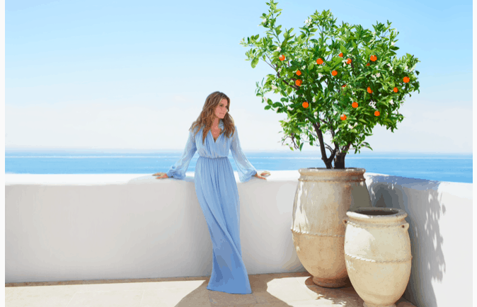 Granddaughter of Estée Lauder launches new perfume inspired by the Aegean Sea 2