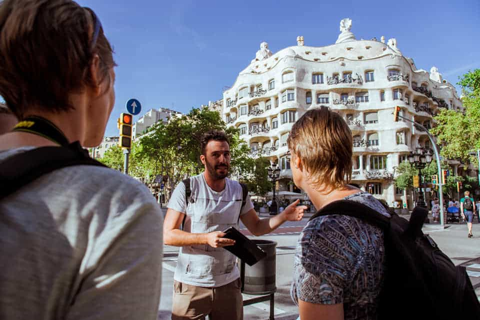 Greek tour guide in Barcelona aims to make Greek travelers' life easier 12