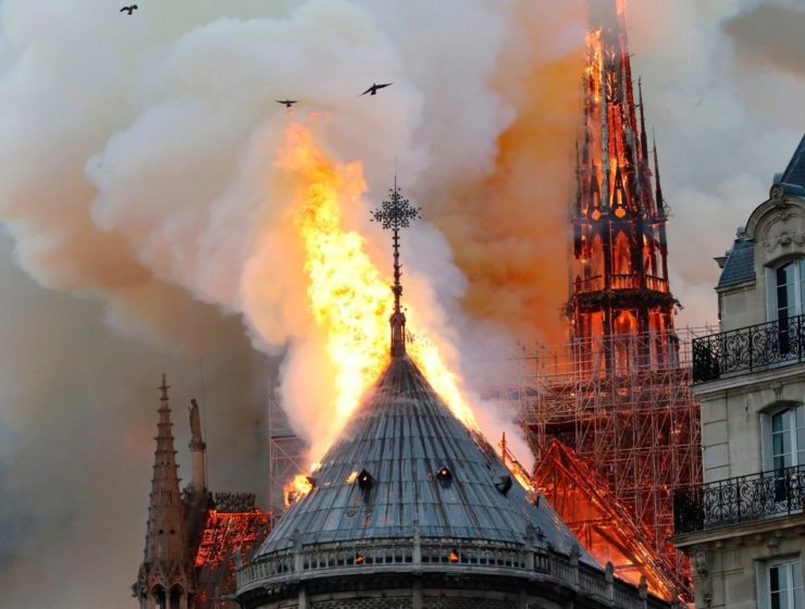 Greece sends messages of support to France after fire hits iconic Notre Dame 1