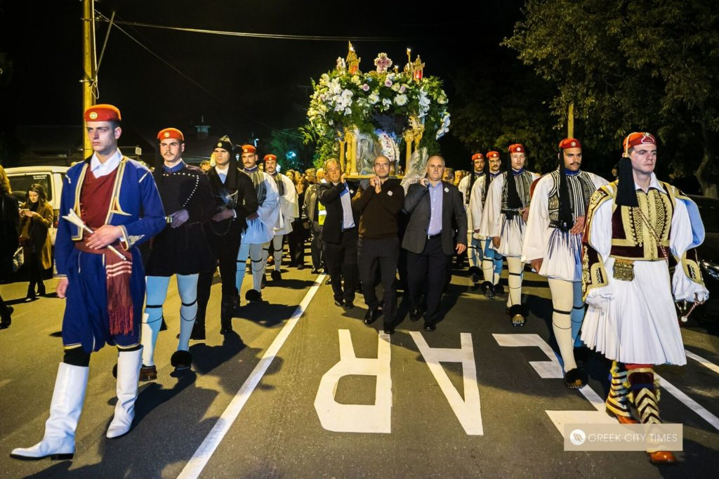 In a world first, Evzones stand guard at the Epitaphio in Adelaide 33