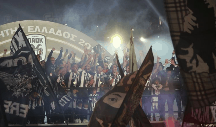 Thessaloniki throws huge party after PAOK are crowned Super League Champions 10