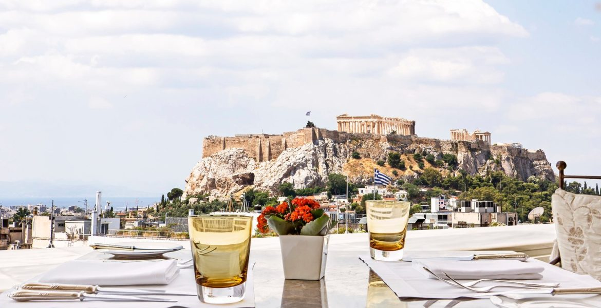 Easter Sunday Lunch at Athens' Top Hotels 1