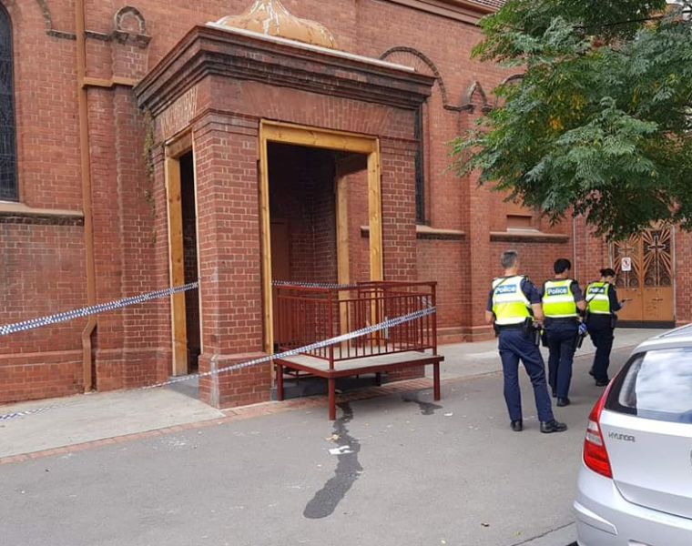 """Easter Sunday fire at the Holy Church of """"The Annunciation of Our Lady"""" in Melbourne 25"""