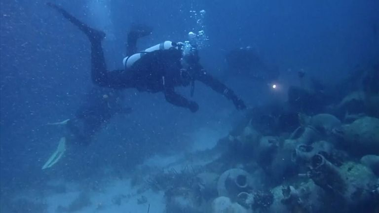 More than 1,000 ships sunk in Greek waters 2