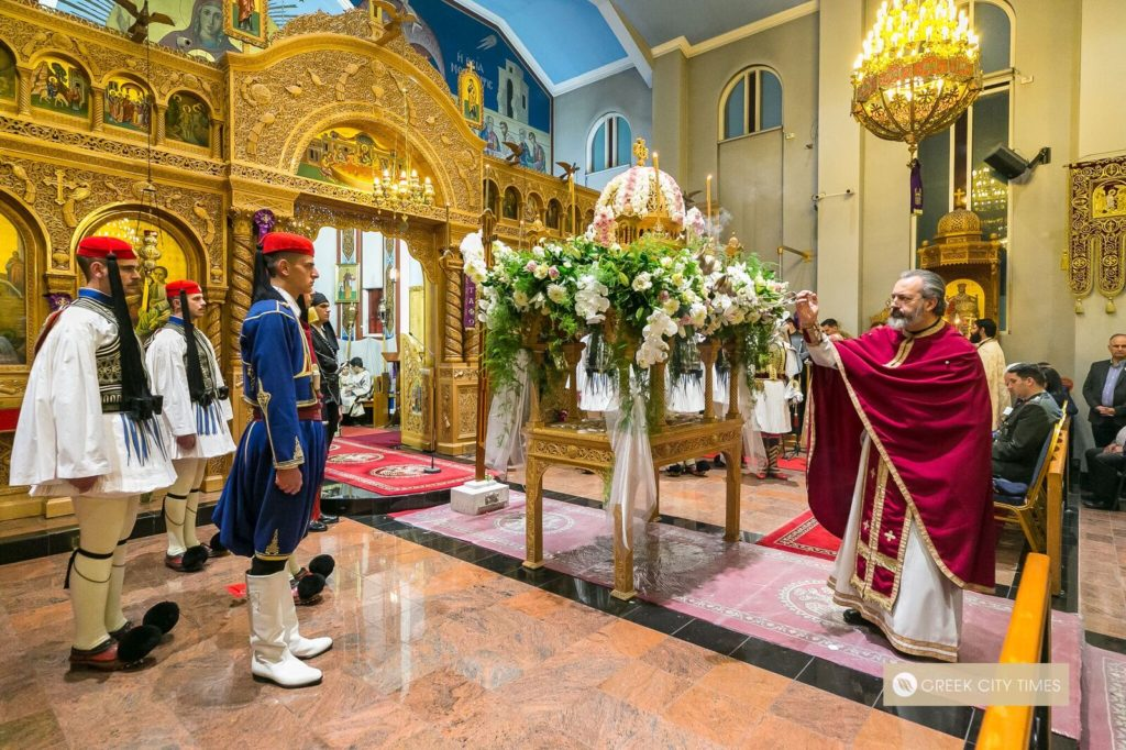 In a world first, Evzones stand guard at the Epitaphio in Adelaide 50