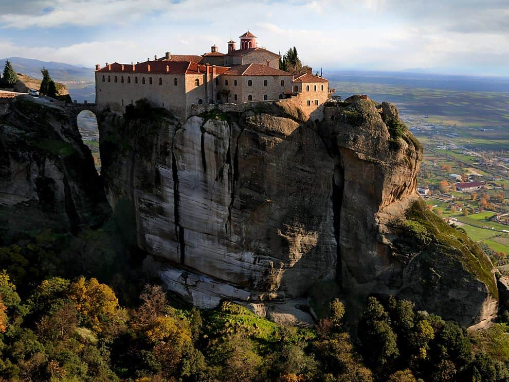 Meteora, the breathtaking inspiration behind 'Game of Thrones Eyrie' 10