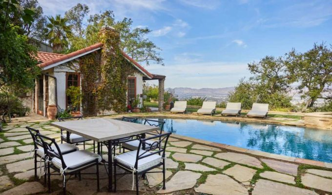 John Stamos lists his Beverly Hills home for $6.75 million 2