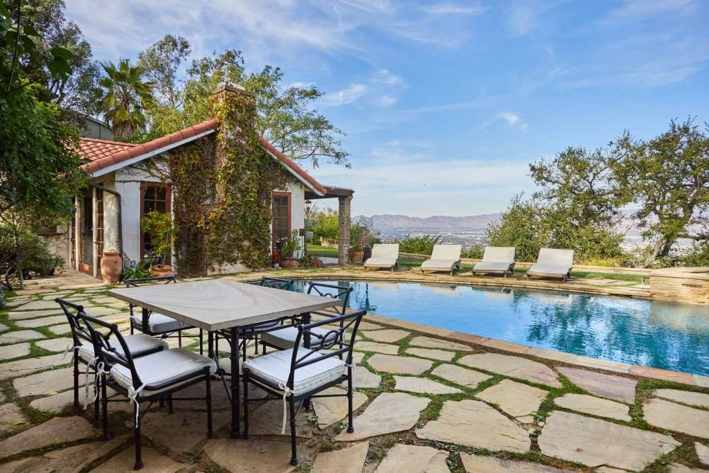 John Stamos lists his Beverly Hills home for $6.75 million 10