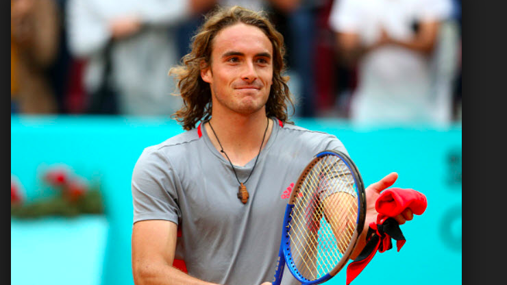 Greek fans erupt after Tsitsipas knocks out defending champion (VIDEO) 1