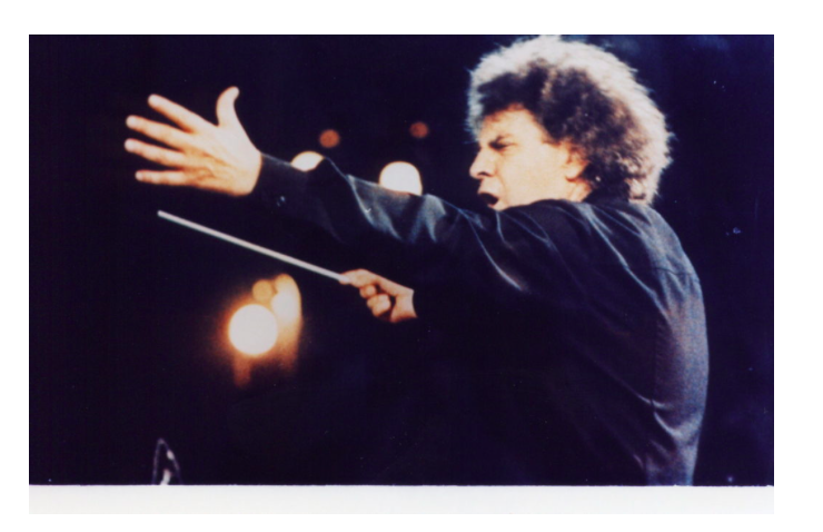 Music of Greece's greatest composer Mikis Theodorakis is coming to Sydney 21