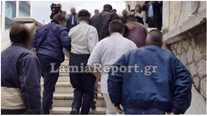 Father in Lamia arrested for chaining up his disabled daughter and abusing her 1