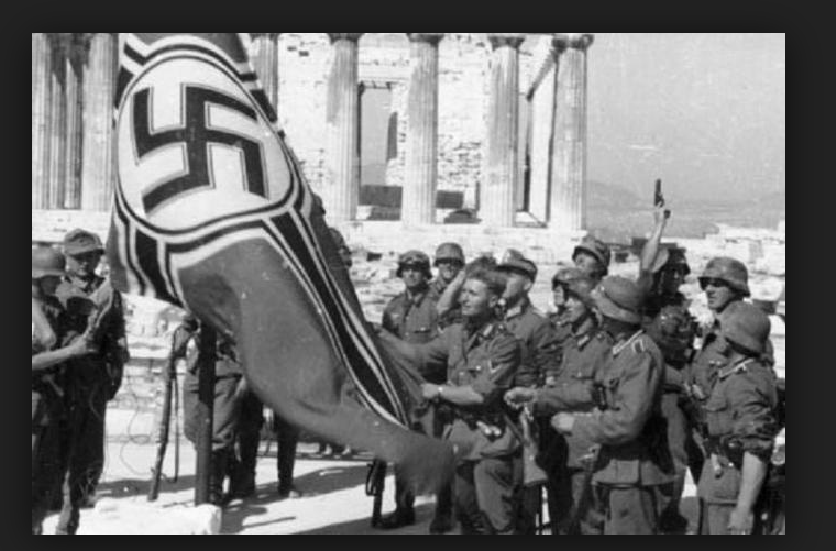 Greek Students remove Nazi Flag from the Acropolis