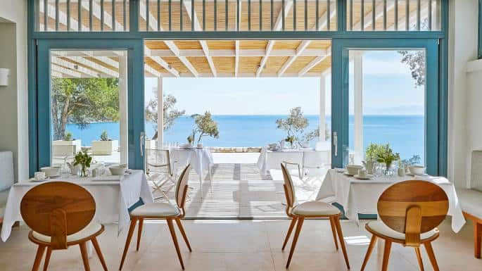 Stylish resort on Skiathos blends in beautifully with surrounding nature 15