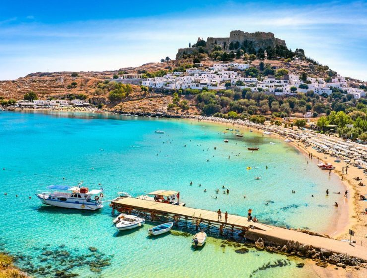 Rhodes welcomes nine overseas flights as tourism season opens 1