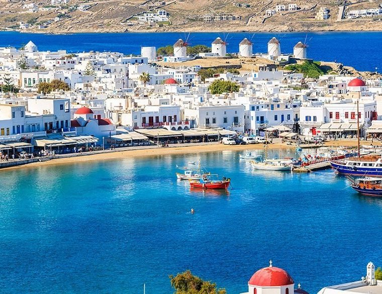 Greek authorities set to 'crack down' on tourists being ripped off  8