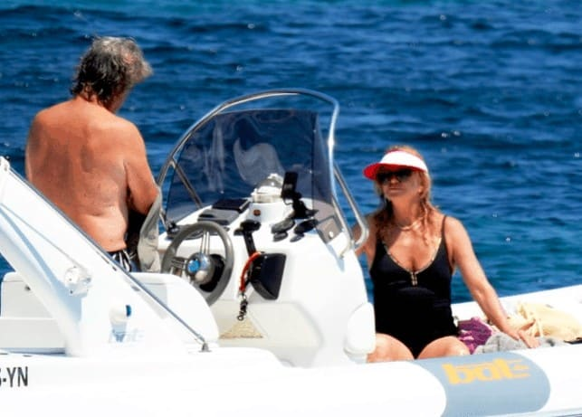 Goldie Hawn and Kurt Russel enjoying a summer holiday in Skiathos 4