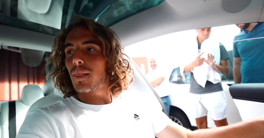 Greece's tennis star Tsitsipas finally gets his dream car (VIDEO) 4