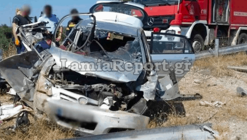 Young brother and sister die after horrific car accident in Lamia 4