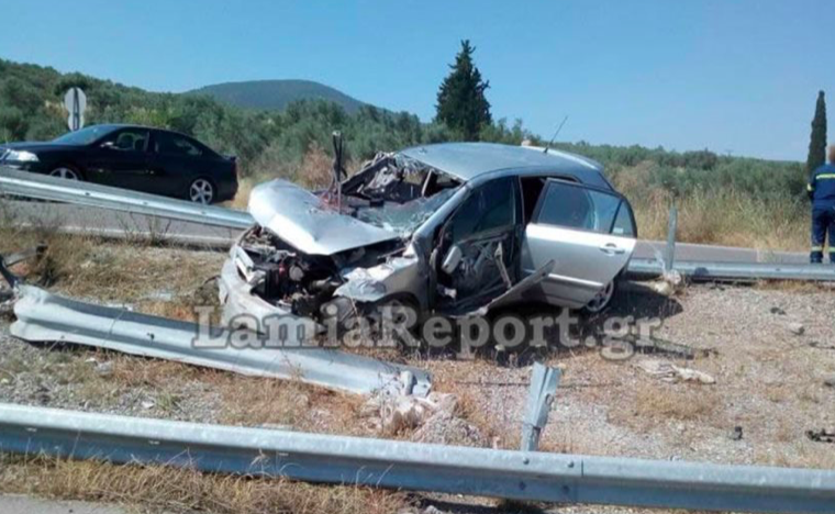 Young brother and sister die after horrific car accident in Lamia 1