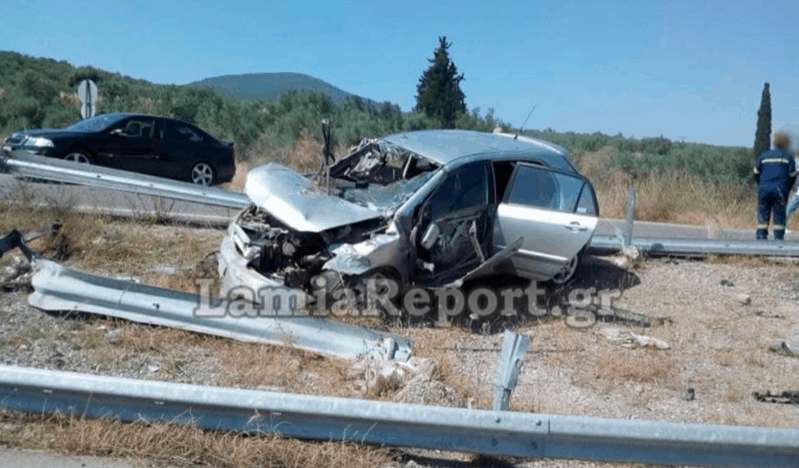 Young brother and sister die after horrific car accident in Lamia 6
