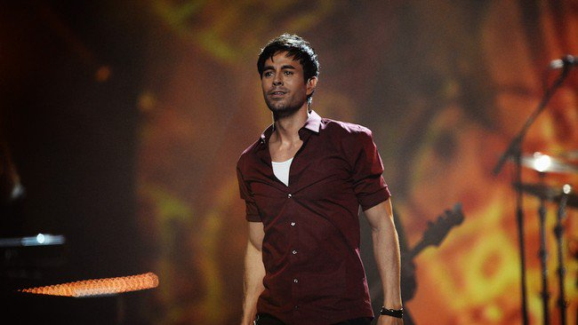 "Enrique Iglesias brings his ""All The Hits Live"" tour to Thessaloniki  7"
