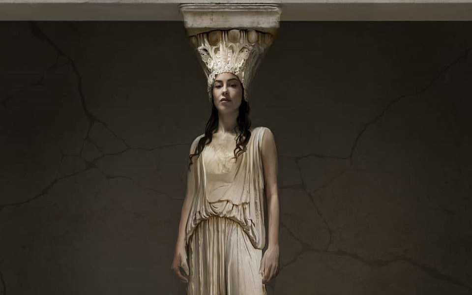 Greek artist sings for the return of the Parthenon Marbles at the British Museum 1