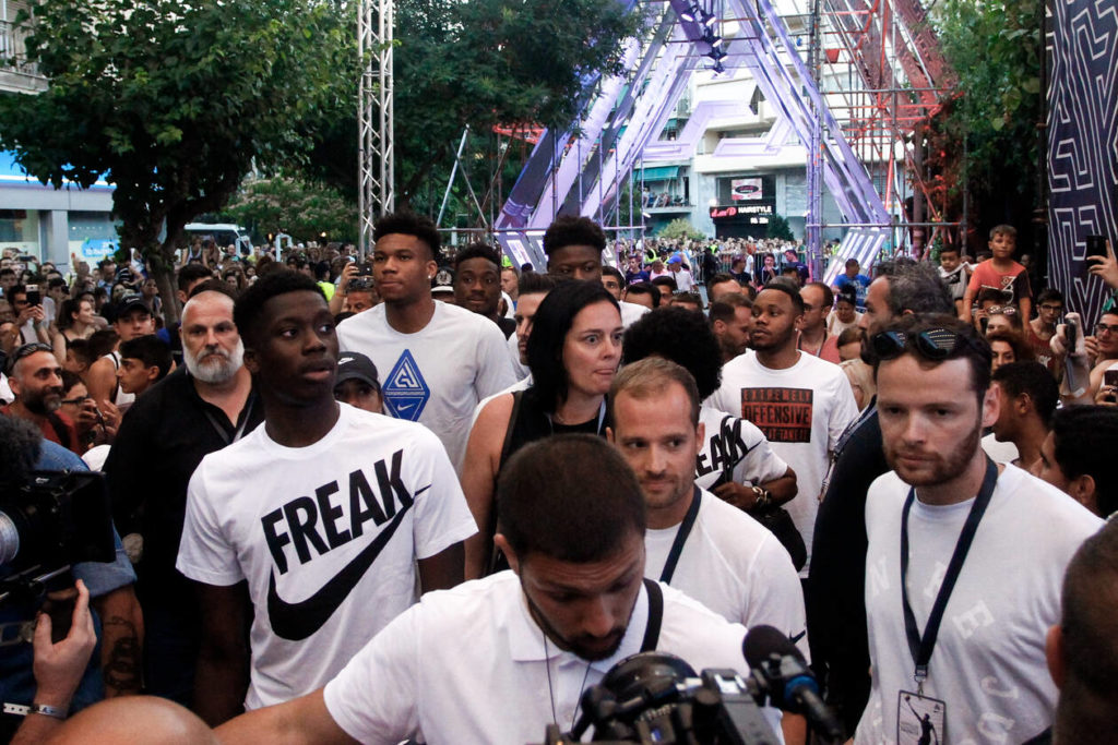 Thousands turn up to greet the 'Greek Freak' at his old Athens neighbourhood 6