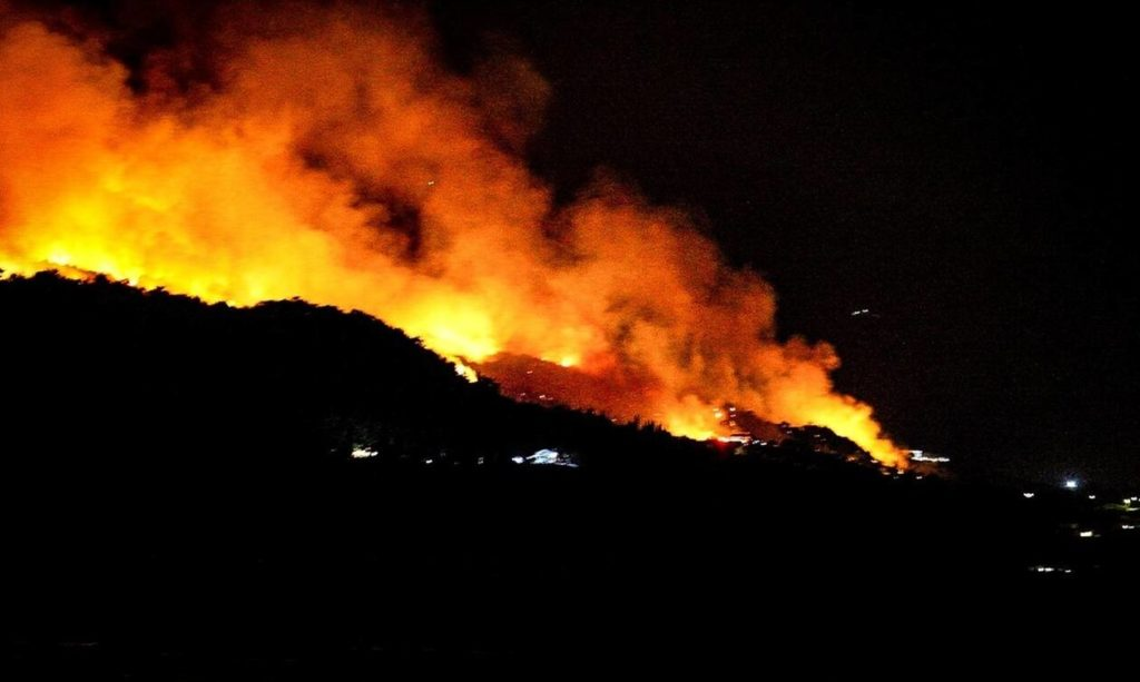 Firefighters continue to battle huge blaze in Evia, with man arrested for arson 2