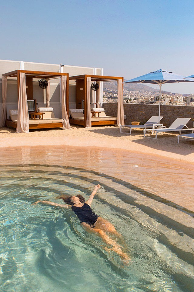 Secret 'rooftop beach' opens in the heart of Athens 5