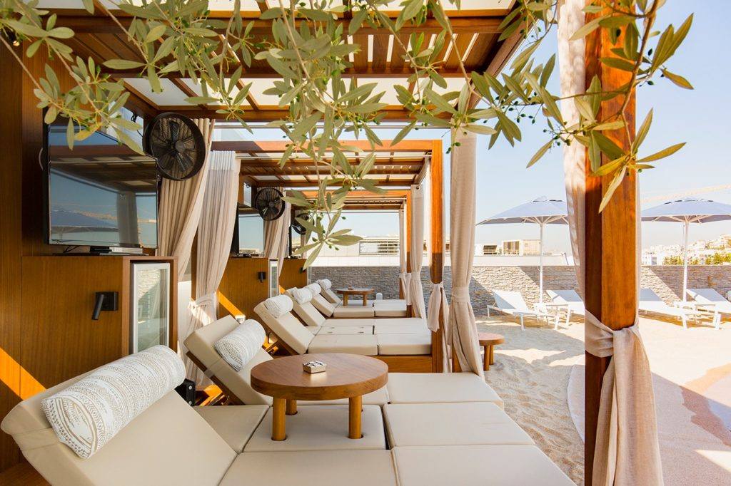 Secret 'rooftop beach' opens in the heart of Athens 6
