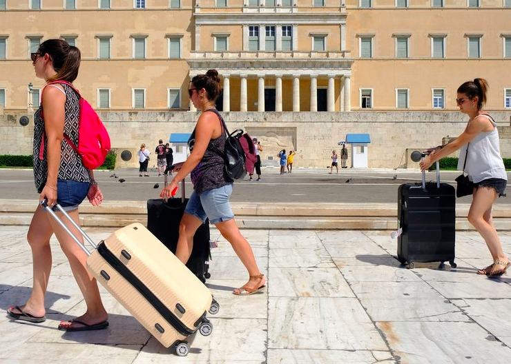 Luggage storage at your fingertips while travelling through Greece 18