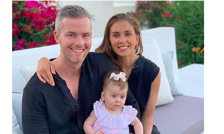 Ryan Serhart and Emilia Bechrakis enjoy first Greek holiday with their baby girl 10