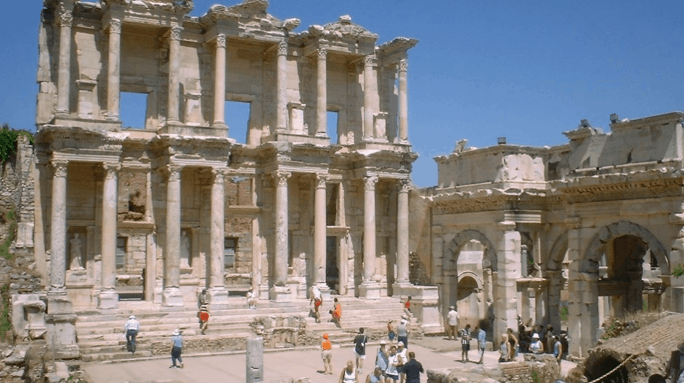 Turkey wipes out traces of Greek civilisation in Smyrna 8