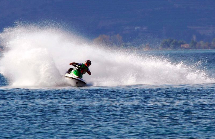 Young Italian man tragically dies after jet ski overturns in Mykonos 2