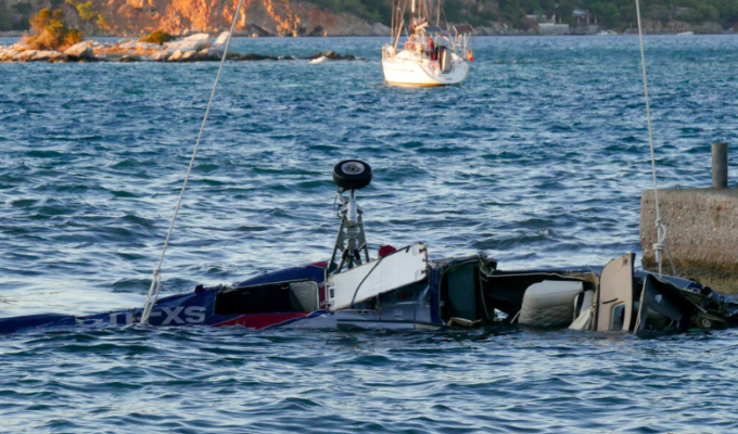 Three men killed in helicopter crash near island of Poros 2
