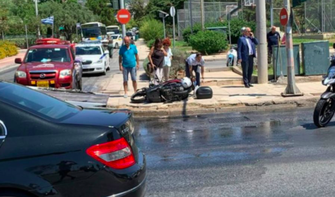 Young man dies after motorcycle collides with truck in Voula 3