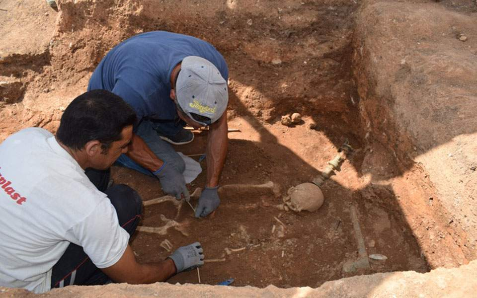Tombs and treasures: a wealthy corpse has been discovered in northern Greece 2