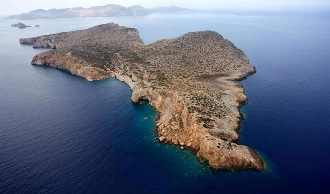 Stunning Cycladic island could be yours for 5 million euro 3