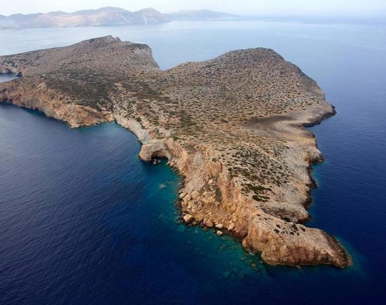 Stunning Cycladic island could be yours for 5 million euro 1
